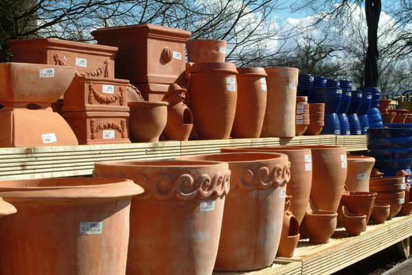 Pots and Containers, Wakehurst place. © RBG KEW
