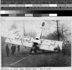 Aircraft emergency landing, Kew,1938