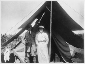 John Davenport Snowden and wife, Uganda 1916