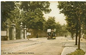 Kew Road and Entrance to Kew Gardens