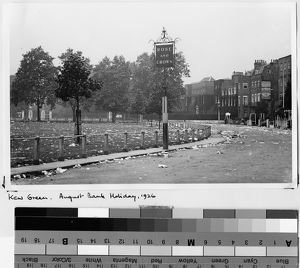Kew Green, Richmond, at the end of the August Bank Holiday, 1926
