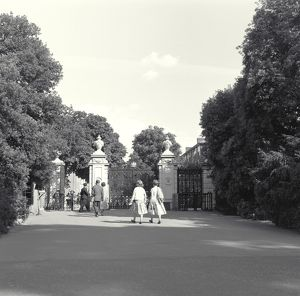 Victoria Gate photographed in 1962